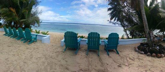 Kia Orana Beach Bungalows : Outside the Bungalow. Front view.