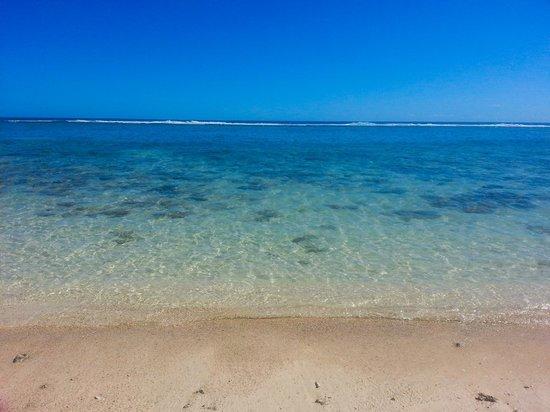 Kia Orana Beach Bungalows : Beach view