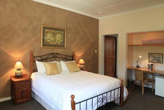 Loerie Guest Lodge: Honeymoon Suite