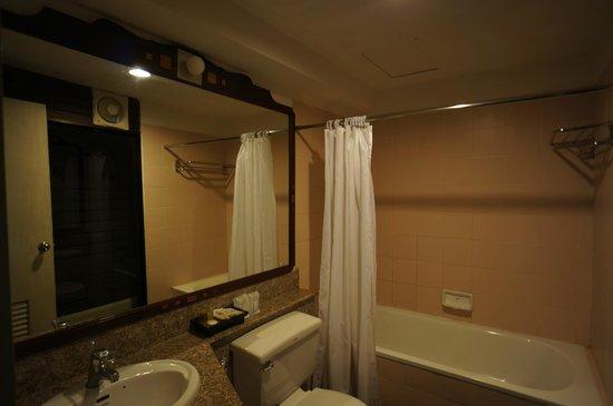 Mida Resort Kanchanaburi: Bathroom