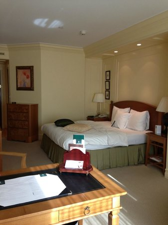 Hotel Kamp: A Deluxe Room