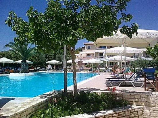 Negroponte Resort Eretria: Η ΠΙΣΙΝΑ !!!!!