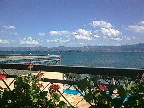 Negroponte Resort Eretria: ΘΕΑ ΤΟΥ ΩΡΩΠΟΥ ΑΠΟ ΤΑ ΔΩΜΑΤΙΑ !!!