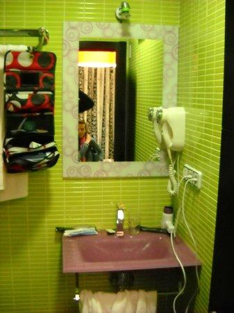 JC Rooms Santa Ana : bagno