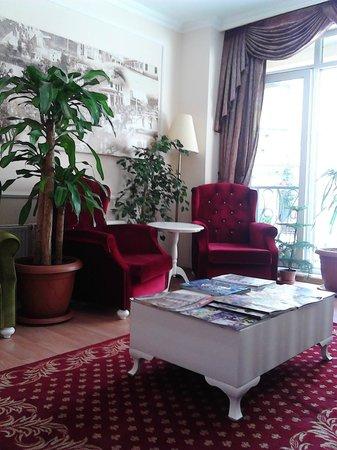 SRF Hotel : Lobi-2