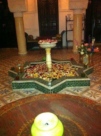 Riad Adriana: common area for tea