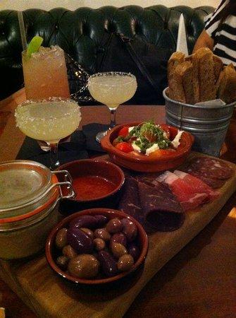 Canvas Cocktail & Wine Bar
