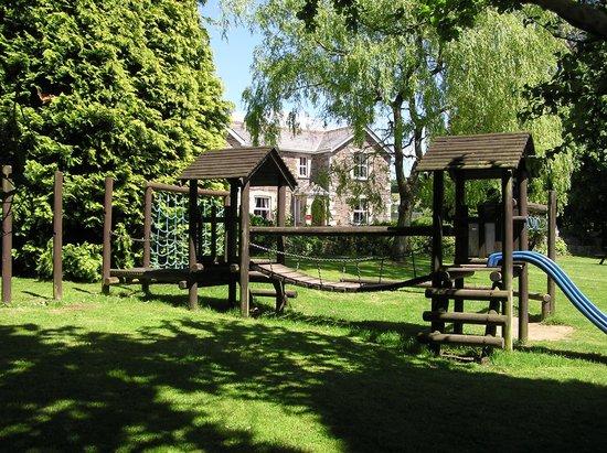 Cross House Inn: Childrens Play area