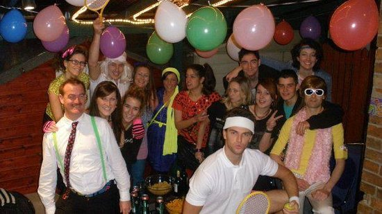 Central Backpackers Oxford : Party on the deck!
