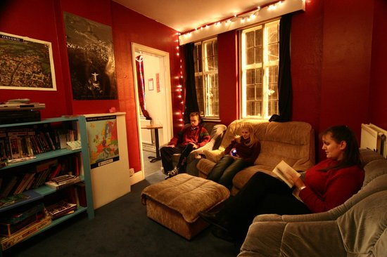 Central Backpackers Oxford : Our Film & TV room