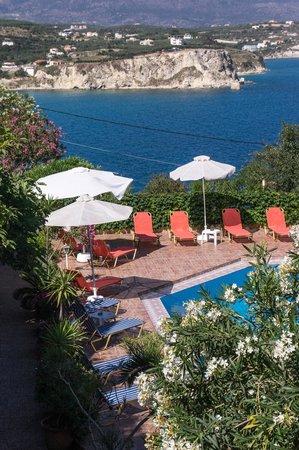 Hotel Emerald: Pool vom Appartement aus gesehen