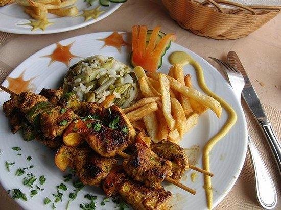 Restaurant 3Thes: Brochetas de pollo