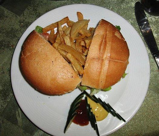 Restaurant 3Thes: Hamburguesa