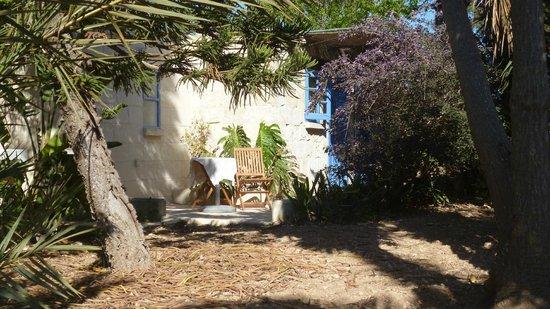 Ta' Bertu: Huisje in de tuin