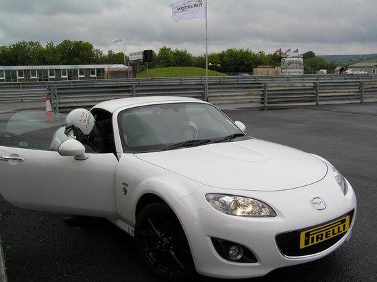 Thruxton Motorsport Centre: Mx5