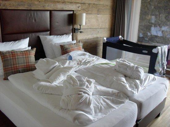 Maierl-Alm und Chalets: Schlafzimmer UG mit Terrasse und Whirlpool