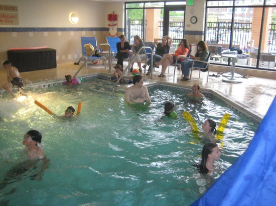 TownePlace Suites Ann Arbor: Fun pool for kids - warm!