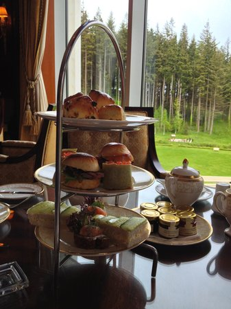 Powerscourt Hotel, Autograph Collection: Afternoon Tea Sugar Loaf Lounge