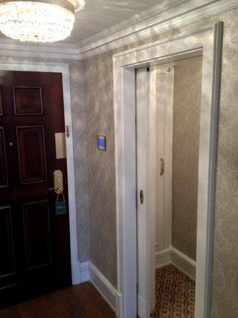 Powerscourt Hotel, Autograph Collection: Entrance Superior Room