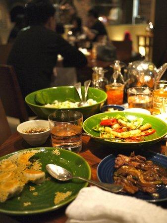 Beijing Kitchen At Grand Hyatt Macau: A full house.