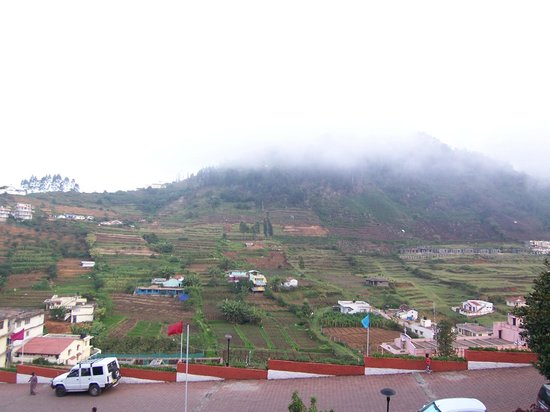 Sterling Kodai Valley: The scene that unfolded before our eyes every day.