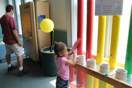 Ann Arbor Hands-On Museum : One of the many activities at the Hands On Museum