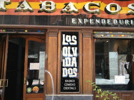 Los Olvidados: Local