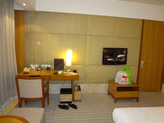 ITC Sonar: Spacious Room