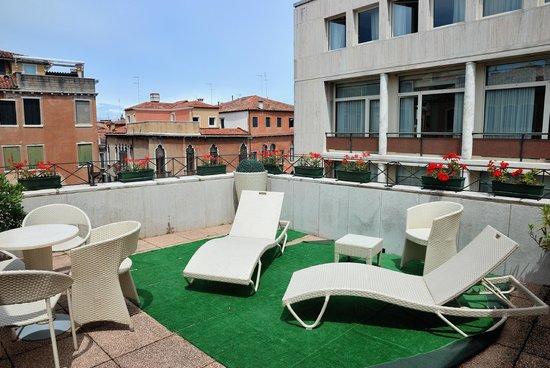 Hotel Violino d'Oro: Terrasse de la chambre 301