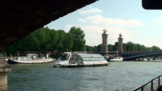 Campanile Paris Est - Bobigny: Seine Cruise