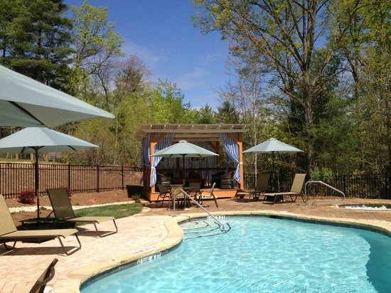 Mtn Laurel Creek Inn & Spa: Saltwater Pool and Spa