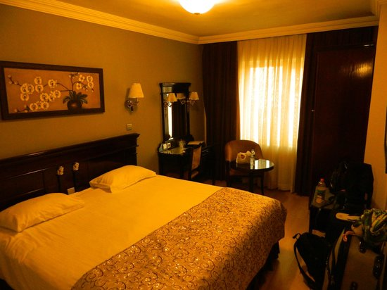 Room 505 picture of laleli gonen hotel istanbul for Cheap hotels in istanbul laleli