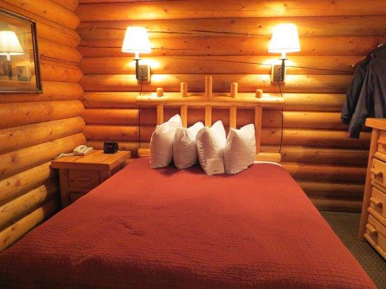 Cowboy Village Resort: Bed