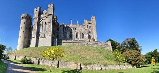 The White Swan : Arundel Castle