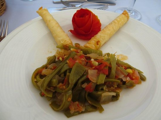 Sarnic Hotel Turkish Cooking Class: August 2012 - The first dish
