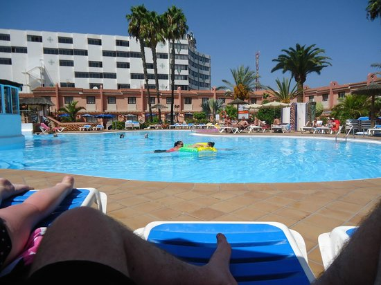 Pool view picture of jardin del sol apartments playa for Bungalows jardin del sol playa del ingles