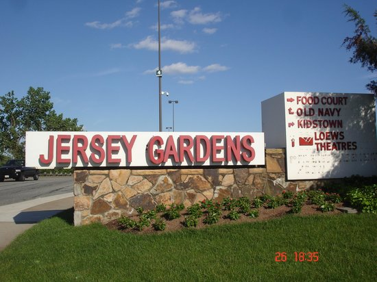 Jersey Gardens Picture Of The Outlet Collection Jersey Gardens Elizabeth Tripadvisor