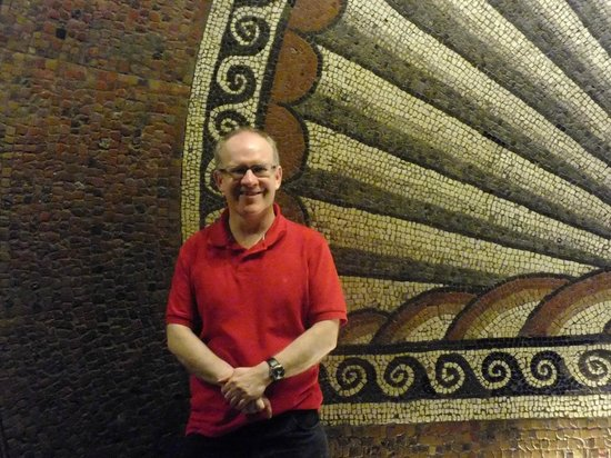Verulamium Museum: Paul,your reviewer and shell