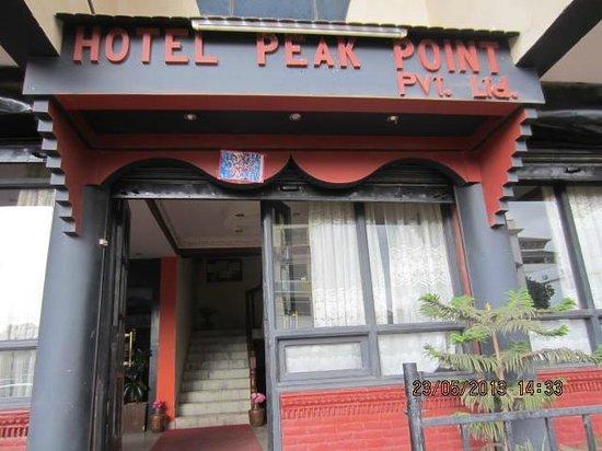Peak Point Hotel : Entrance