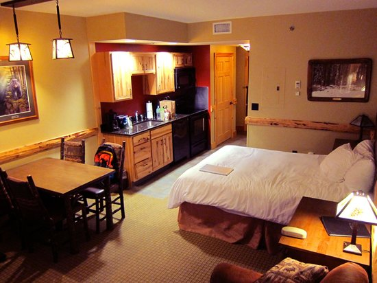 Hope Lake Lodge & Conference Center: Northwoods Suite