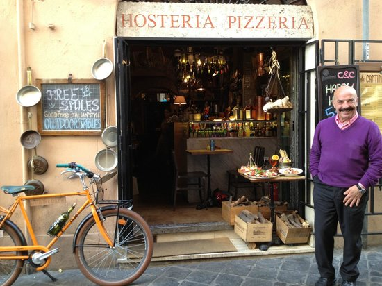 The friendly staff and restaurant picture of cantina e for Cantina e cucina rome