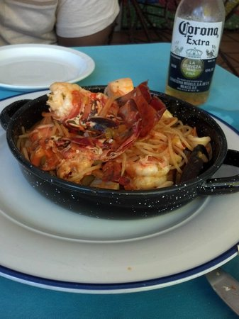Acacia Guesthouse : Seafood Paella at Bili's Rest