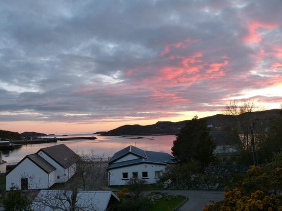 Tigh Na Sith Guest House: Sunset view from room