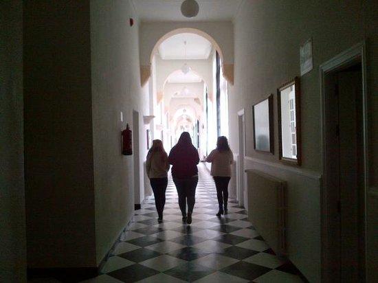 Hotel Balneario de las Salinas: pasillos, el encanto de otras épocas