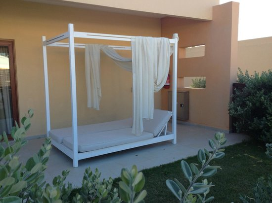 Villa Di Mare Luxury Suites: Patio