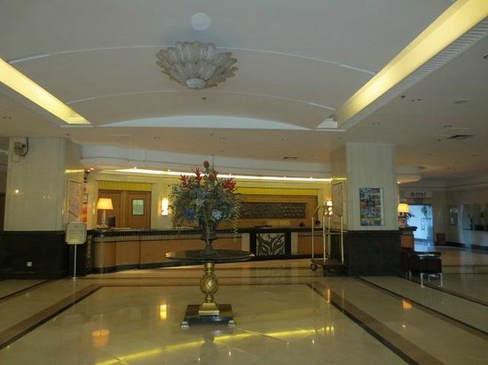 Comfort Inn & Suites: lobby/entrance