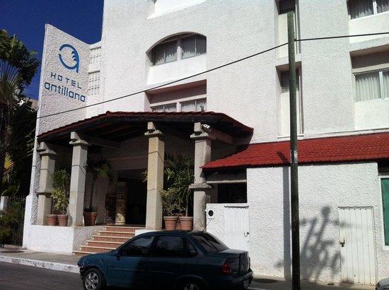 Antillano Hotel: Entrada