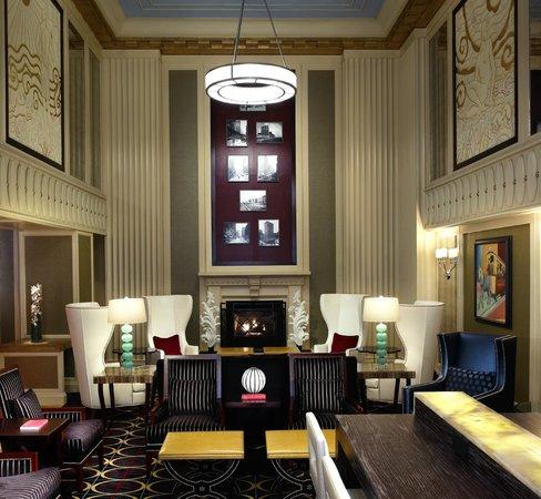 Hotel Monaco Chicago - a Kimpton Hotel: Lobby