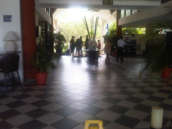 Occidental Tamarindo: LOBBY