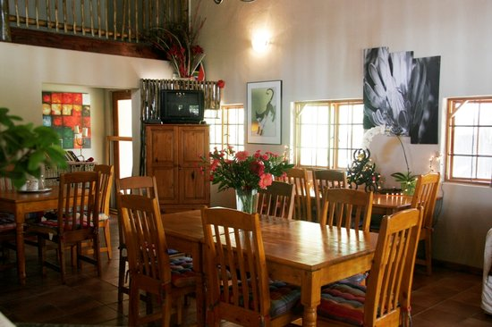 Midrand Wild Goose B&B: Dining room
